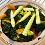 美味しいオリーブオイルと蒸し野菜