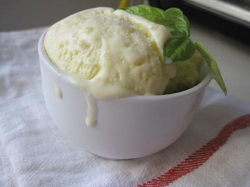 オリーブオイルアイスクリーム