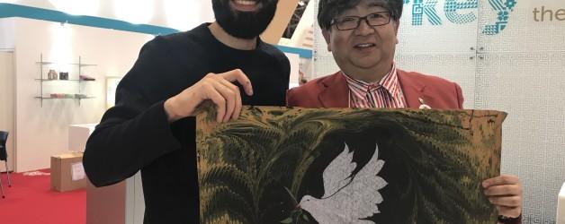 エブルアートで鳩とオリーブを描いてもらいました